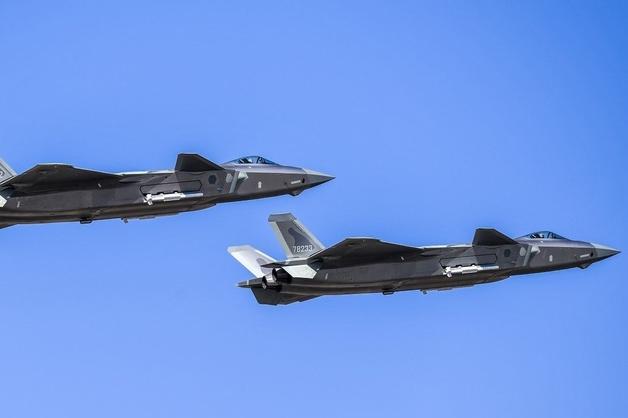 Trung Quốc chật vật khắc phục thiếu sót trên máy bay chiến đấu