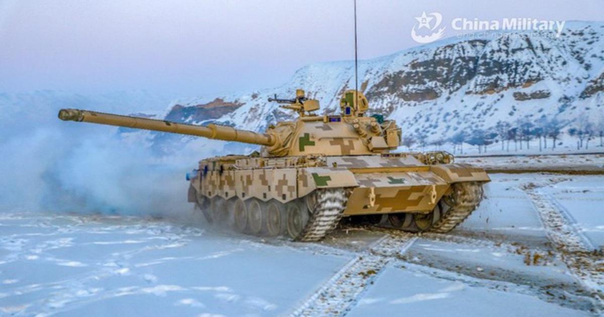 """Xe tăng Ấn - Trung nghi """"trong tầm khai hỏa"""" tại biên giới tranh chấp"""