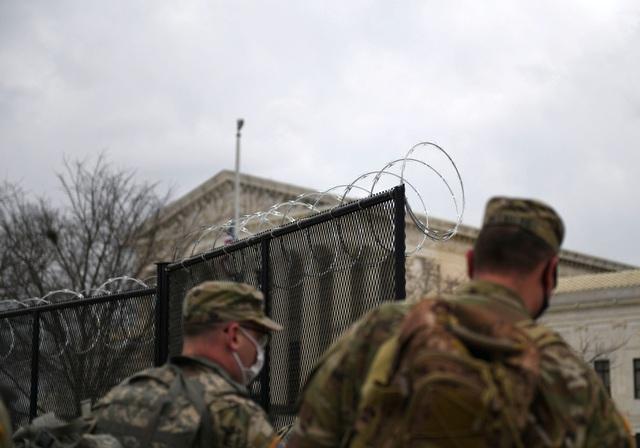 """Washington """"căng như dây đàn"""" trước lễ nhậm chức của ông Biden"""