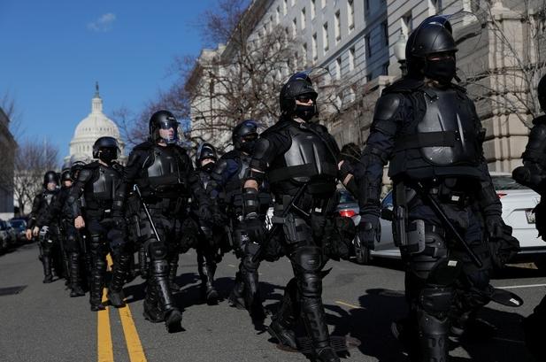 """""""Pháo đài"""" an ninh chưa từng có trước giờ nhậm chức của ông Biden"""