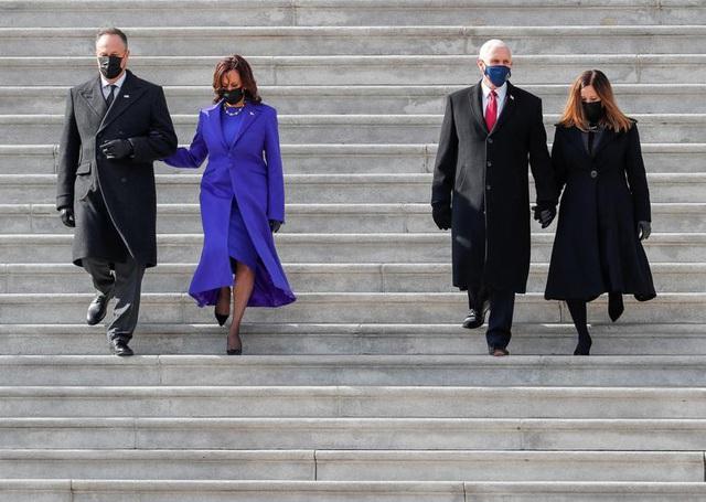 Giải mã lựa chọn trang phục của tân Phó tổng thống Mỹ trong lễ nhậm chức - 2