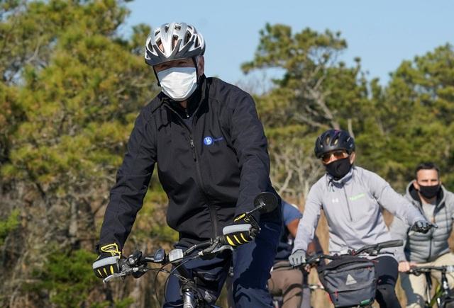 Lý do ông Biden có thể bị cấm mang xe đạp vào Nhà Trắng - 1