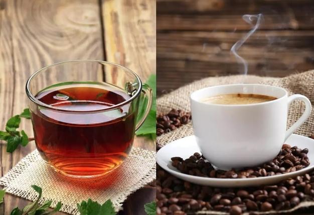 Bạn nên uống trà hay cà phê?