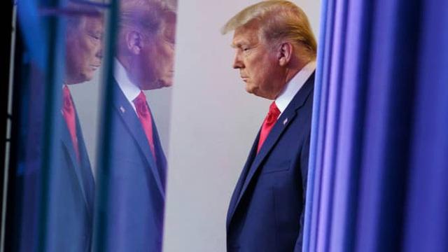 Ông Trump thuê luật sư cứu mình tại phiên tòa luận tội - 1