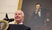 """Phản ứng của ông Biden khi bị phóng viên hỏi """"xoáy"""""""