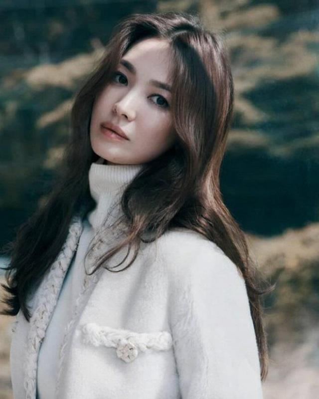 Ảnh thời nặng 70kg của Song Hye Kyo gây sốt mạng xã hội - 15