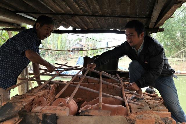 Giáp Tết Tân Sửu, xem nghệ nhân làng gốm Thanh Hà nặn tượng trâu đất - 3