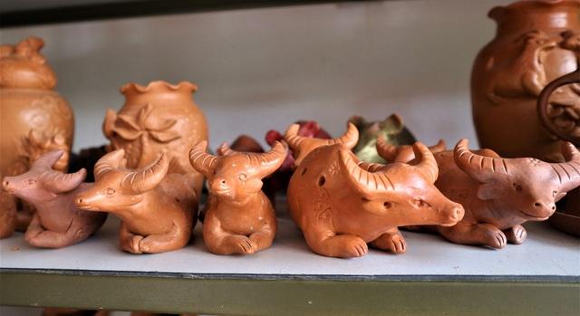Giáp Tết Tân Sửu, xem nghệ nhân làng gốm Thanh Hà nặn tượng trâu đất - 6