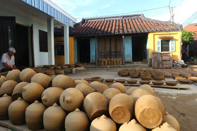Giáp Tết Tân Sửu, xem nghệ nhân làng gốm Thanh Hà nặn tượng trâu đất - 9