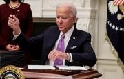 Ông Biden bận rộn đảo ngược chính sách của ông Trump