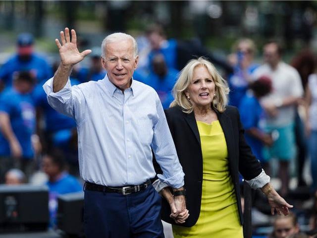 Ông Biden từ người nghèo nhất quốc hội trở thành triệu phú - 1