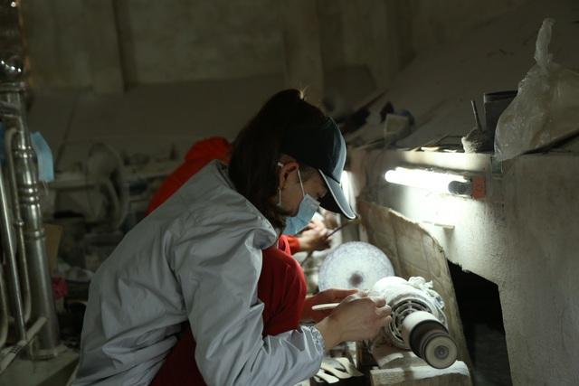 Hà Nội: Thu tiền triệu từ chế tác sừng trâu ngày giáp Tết Tân Sửu - 8