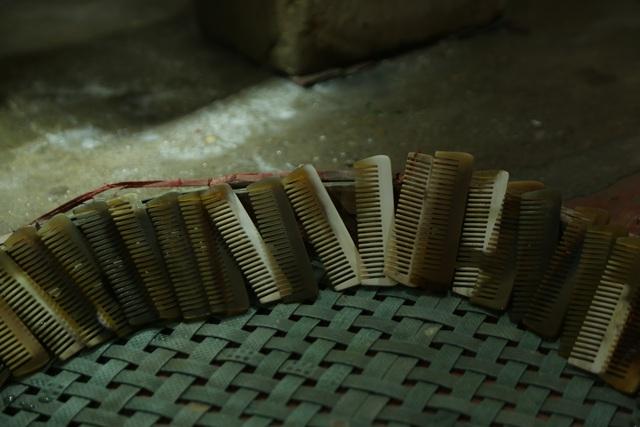 Hà Nội: Thu tiền triệu từ chế tác sừng trâu ngày giáp Tết Tân Sửu - 7
