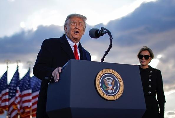 Khó kết tội ông Trump, đảng Dân chủ tính phương án B