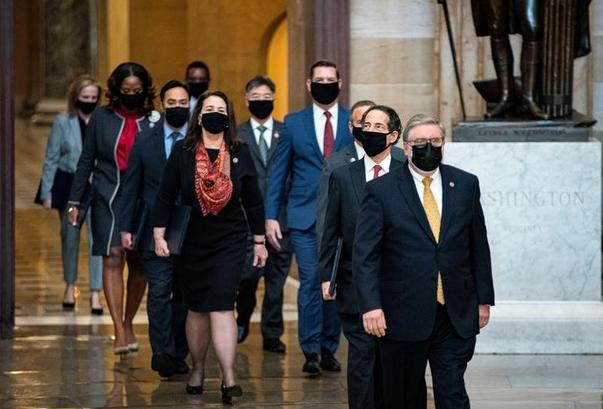 """Thượng viện Mỹ nhất trí luận tội ông Trump sau """"video tập hợp bằng chứng"""""""