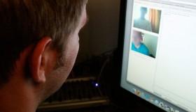 khi webcam yahoo cung la doi tuong bi theo doi
