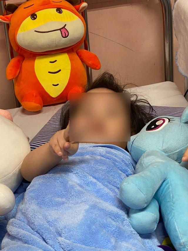 Bé gái ngã từ tầng 12A chung cư tại Hà Nội sắp được xuất viện - 1