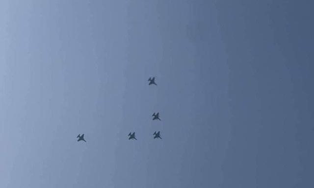 5 máy bay chiến đấu xuất hiện ở Myanmar giữa biểu tình - 1