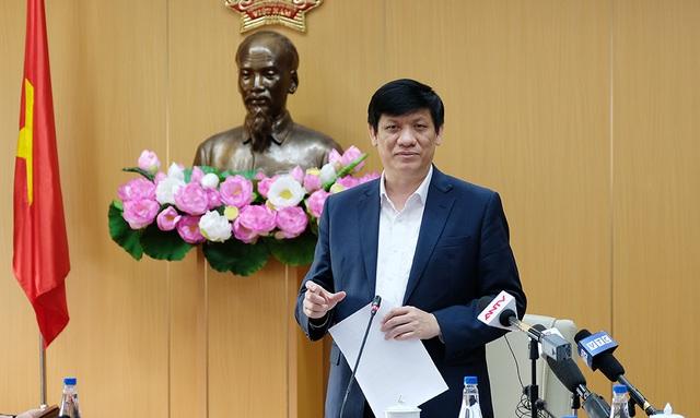 Bộ trưởng Y tế: Không thể khẳng định tất cả các vắc xin an toàn 100% - 1