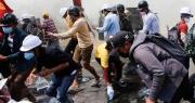Cảnh sát Myanmar truy bắt người biểu tình trong đêm