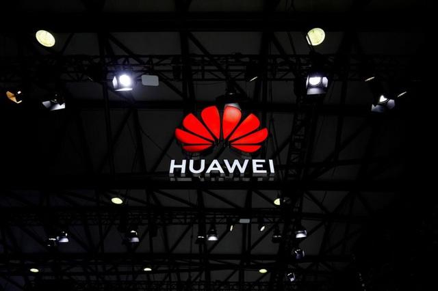 Chính quyền Biden tung biện pháp hạn chế mới với Huawei - 1