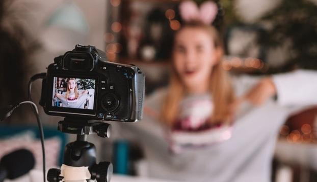 Tại sao trẻ nhỏ thần tượng YouTuber và muốn trở thành YouTuber?