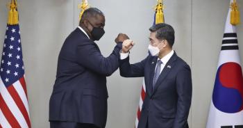 """Mỹ - Hàn cảnh báo thách thức """"chưa từng có"""" từ Trung Quốc"""
