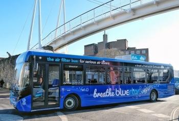Xe buýt lọc không khí ở Anh