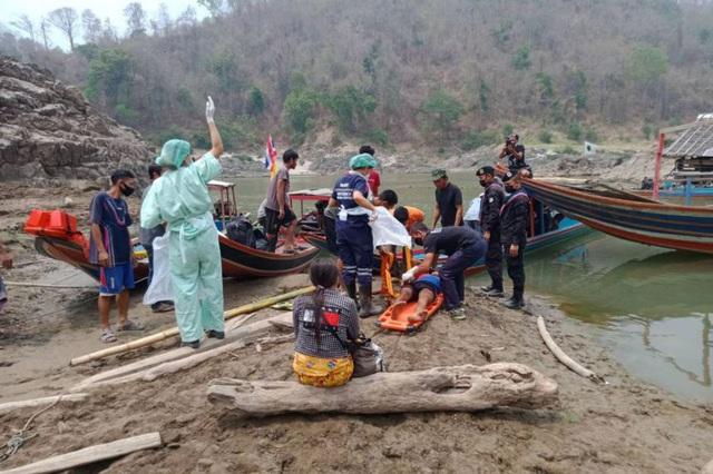 Thảm kịch người tị nạn chạy khỏi Myanmar: 8 bao gạo cho hơn 2.000 người - 1
