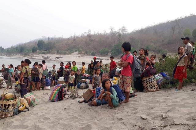 Thảm kịch người tị nạn chạy khỏi Myanmar: 8 bao gạo cho hơn 2.000 người - 3