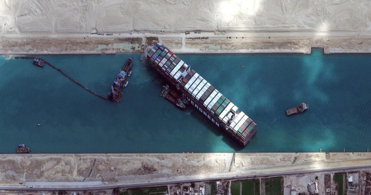 """Ai Cập nêu điều kiện thả siêu tàu sau vụ kênh Suez """"thất thủ"""""""