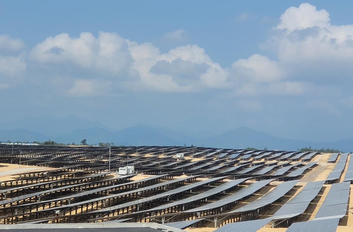 Nhà máy năng lượng mặt trời Phù Mỹ chính thức đi vào hoạt động