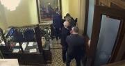 """Tiết lộ mệnh lệnh của ông Pence vào ngày quốc hội Mỹ """"thất thủ"""""""