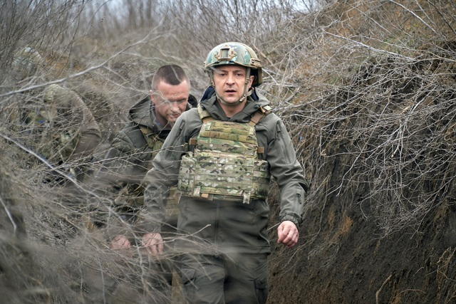 Tổng thống Ukraine mời Tổng thống Putin đàm phán ở vùng chiến sự - 1