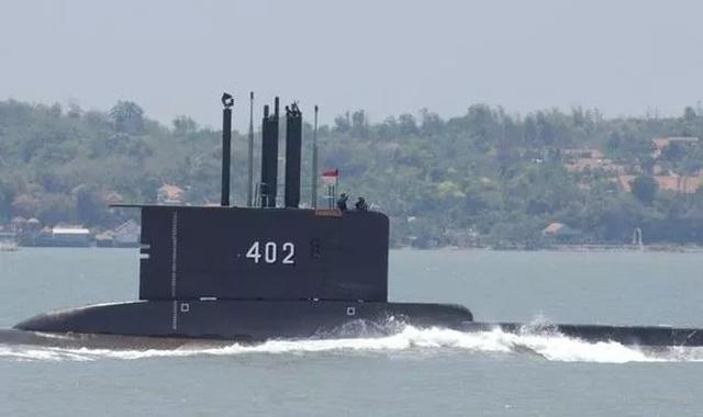 Phát hiện vật thể khả nghi, Indonesia dốc toàn lực tìm tàu ngầm mất tích - 1
