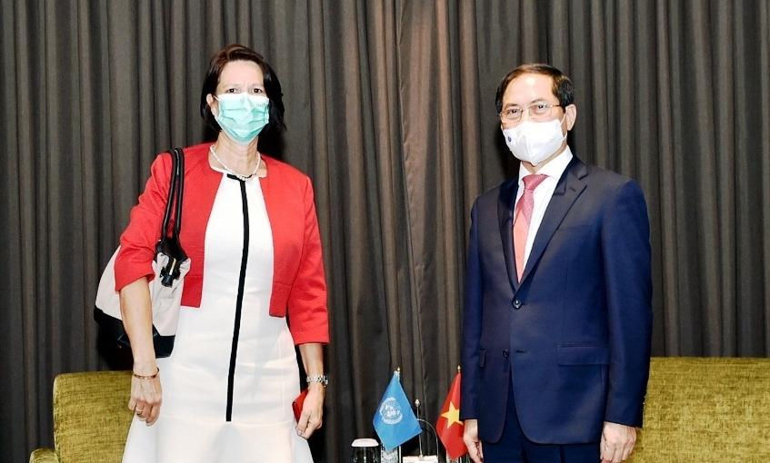 Bộ trưởng Ngoại giao Bùi Thanh Sơn tiếp Đặc phái viên của Tổng Thư ký LHQ về Myanmar