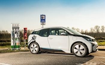 Thiết kế pin lithium-ion mới giúp sạc ôtô điện trong 10 phút