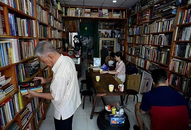 Độc đáo quán cà phê trả tiền bằng sách ở Sài Gòn