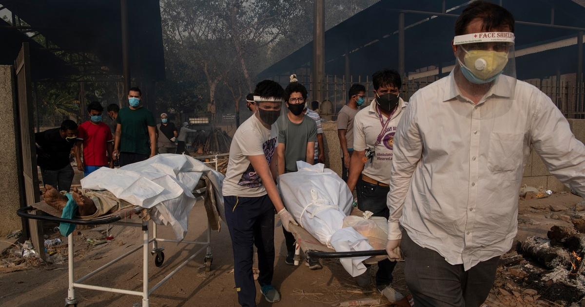 """Phá kỷ lục ca nhiễm mới và tử vong, Ấn Độ """"quay cuồng"""" vì Covid-19"""