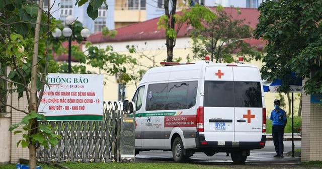 Covid-19 ồ ạt tấn công, 9 bệnh viện phải phong tỏa, cách ly y tế - 2
