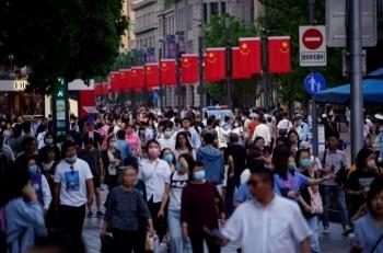 """Trung Quốc đối mặt """"bước ngoặt dân số"""" tác động xấu tới nền kinh tế"""