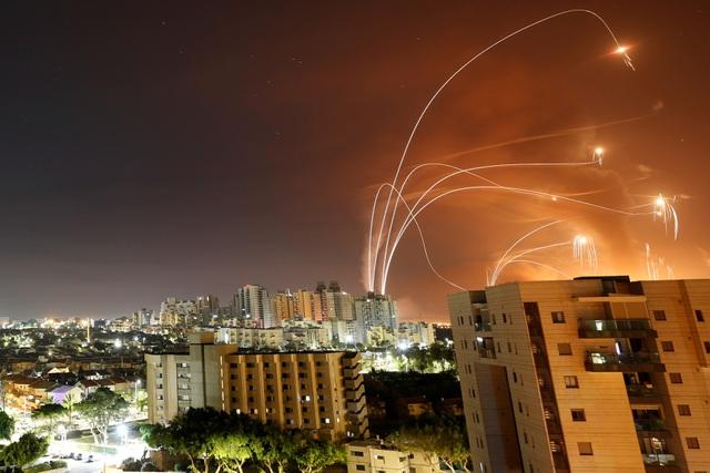 Mưa rocket từ Hamas làm lộ sơ hở của lá chắn Vòm sắt Israel - 2