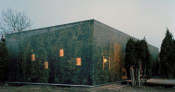 """""""Nhà tàng hình"""" giữa rừng cây với hiệu ứng nhân đôi mặt tiền"""