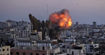 """Hamas trút """"mưa"""" tên lửa, Thủ tướng Israel dọa giáng đòn khốc liệt"""