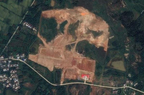 Bí ẩn nhà chứa máy bay kỳ lạ trong căn cứ quân sự Trung Quốc