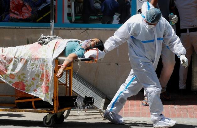 """Hiện tượng nguy hiểm """"đánh gục"""" nhiều bệnh nhân Covid-19 trẻ tuổi ở Ấn Độ"""