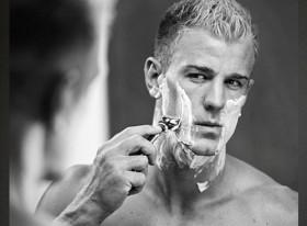 Fan kêu gọi tẩy chay quảng cáo có mặt cầu thủ Anh