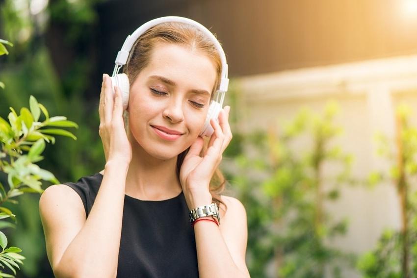 Tại sao âm nhạc làm cho chúng ta có cảm xúc?