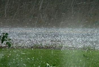 Vùng núi Bắc Bộ cần đề phòng lốc, sét, mưa đá