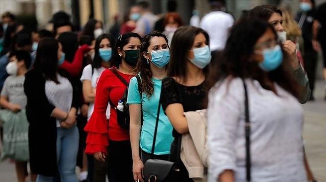 """Tuyên bố """"đã an toàn"""", Tây Ban Nha mở cửa cho người tiêm vắc xin đầy đủ"""